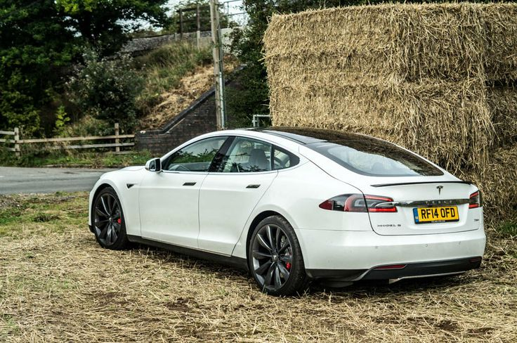 Tesla Model S P85 Plus Review UK - Rear Angle - carwitter