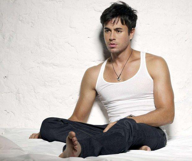 Enrique Iglesias - Heart Attack photo shoot | Men's Casual ...