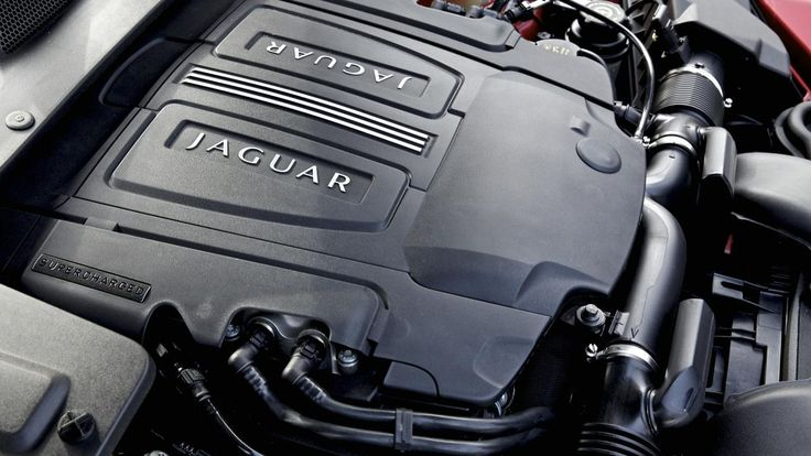 2015 Jaguar XJL Portfolio engine