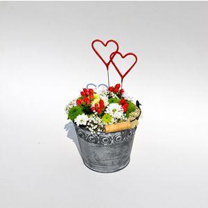 Svatební prskavky - červená srdíčka, která budou skvělá ve svatebních dekoracích.