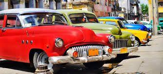 A színes régi autók, a fehér tengerpart, a tánc és a szivarok világa az első uticél