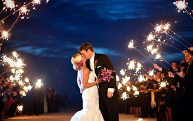 Sparklers podem substituir arroz nos casamentos