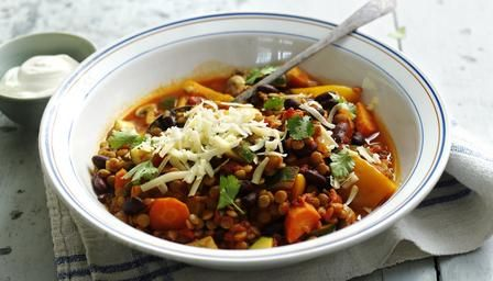 A healthy #vegetarian chilli packed with lentils, vegetables and beans.
