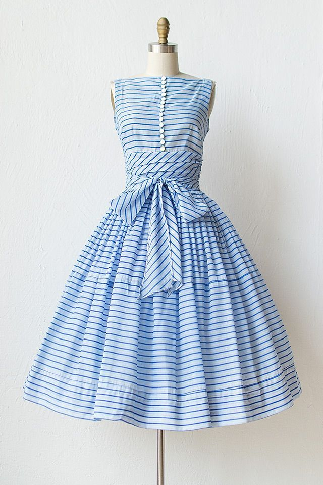 vintage 1950s blue striped dress ♥ the buttons, the waist, the bow | vintage 50s full skirt