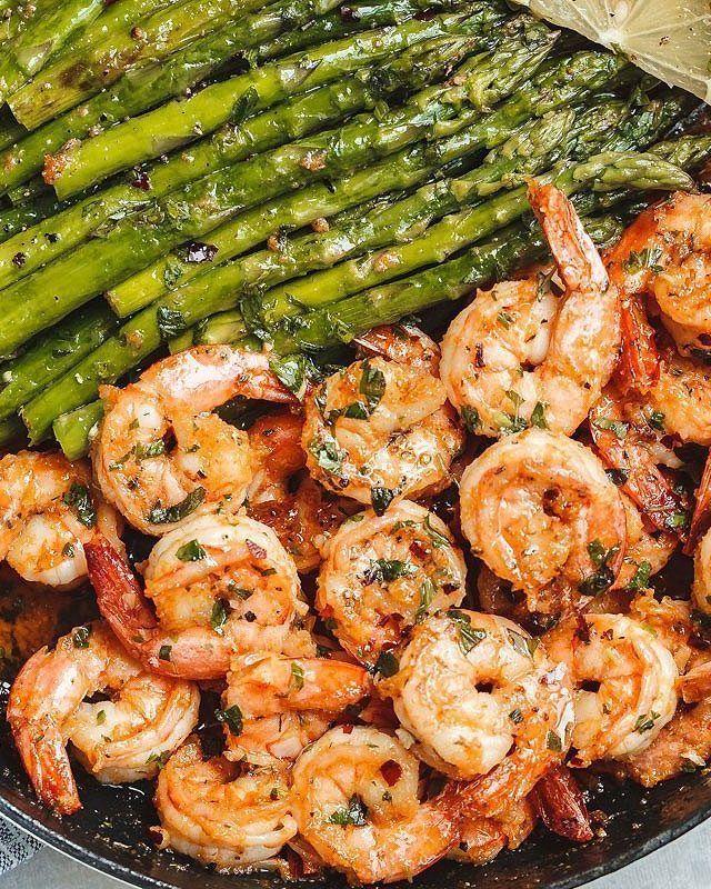 Schnelle Keto-Dinner-Rezepte: 45 Low Carb-Rezepte, die Sie in 30 Minuten oder