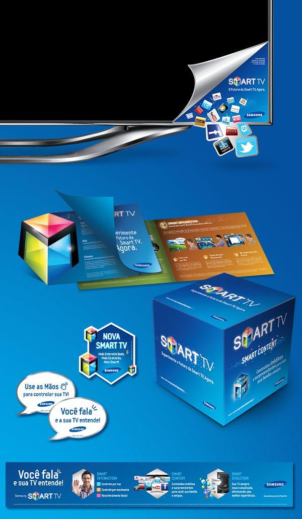 """Para o lançamento da Samsung Smart TV no Brasil, a Twinz desenvolveu toda campanha de PDV, incluindo takeone, cartaz, cubo, aplique, adesivo, testeira, MAT dentre outros. Todas as peças seguem o conceito de """"O Futuro da Smart TV, Agora"""" enfatizando que se trata de uma TV com inúmeros recursos diferenciados, como acesso à internet, interação por voz, movimento e reconhecimento facial, além de uma infinidade de aplicativos e conteúdos exclusivos."""