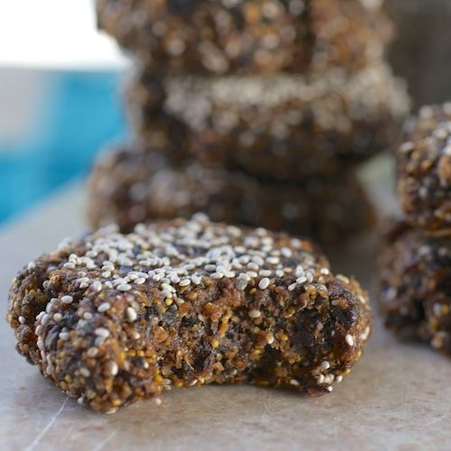 Fig Chia Cookies - raw, vegan, only 3 ingredients, but can add coconut, ginger, prunes etc.