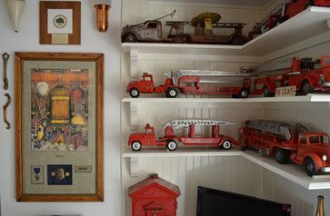 Paso Robles, CA: Terry & Sue Minshull - traditional - family room - san luis obispo - Sarah Greenman - perfect for firefighters