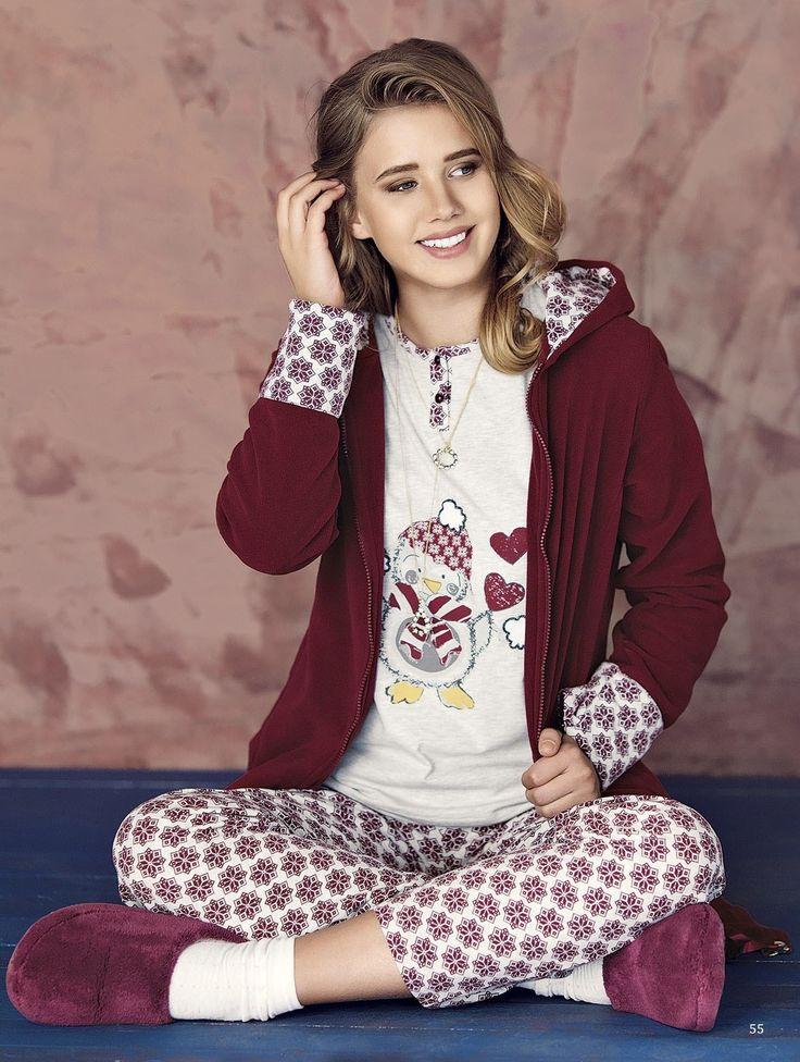Fantasy Casual F-920 Bayan 3'lü Pijama Takım  https://www.mark-ha.com/polar-pijama-takim #markhacom #polar #polarpijama #bayanpijama #pijama #pijamatakım #bordo #bayangiyim #evgiyim #stil #kombin #yenisezon #üçlüpijama #üçlü #desenli