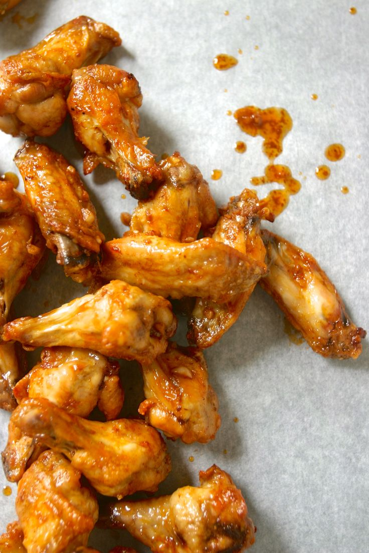 Whaaat!? PALEO BUFFALO WINGS  #paleo #diet #recipes Steamed for 20 min, chilled in fridge and then baked at 450 for 20 min. Crispy and yummy without being fried. Love it!