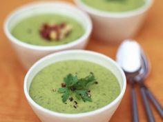 Cremige Kräutersuppe ist ein Rezept mit frischen Zutaten aus der Kategorie Cremesuppe. Probieren Sie dieses und weitere Rezepte von EAT SMARTER!