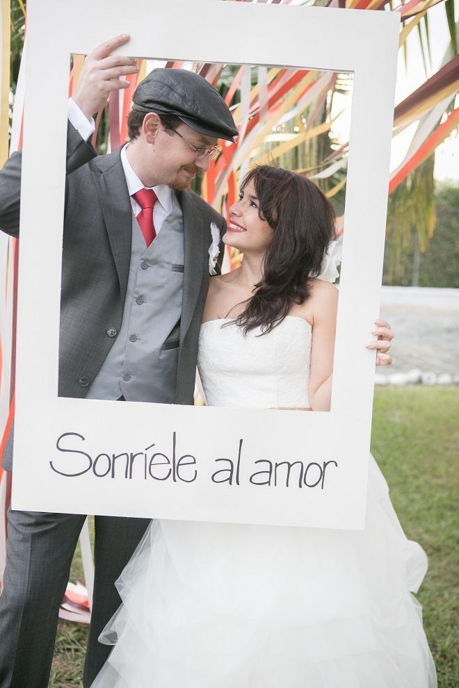 Un marco de polaroid, perfecto para enmarcar el momento.  Foto: www.valeriaduque.net