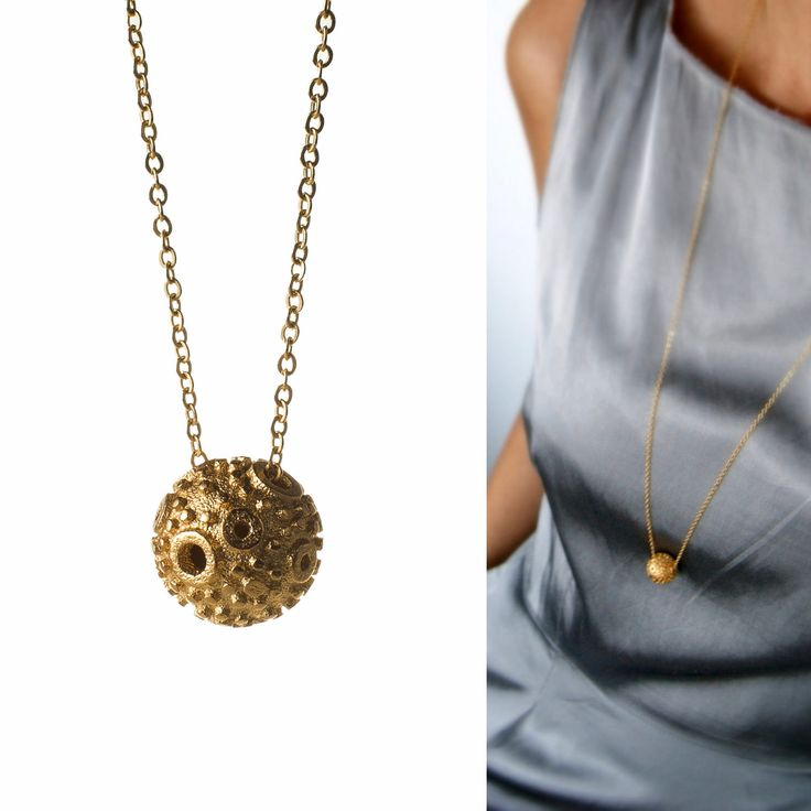 3D printed pendent. Golden plated necklace.  www.scicche.itwww