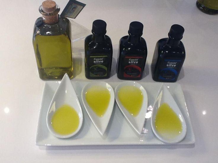 El Aceite de oliva virgen extra de Jaén es sabor, es salud, es cultura, es dieta mediterránea y sabiduría en la cocina.   www.oleicolasanfrancisco.com