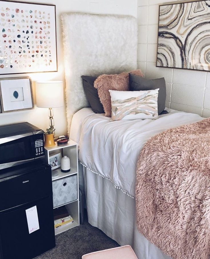 Why It S Best For You To Live On Your Own In Your Twenties Girls Dorm Room College Dorm Room Decor Dorm Sweet Dorm
