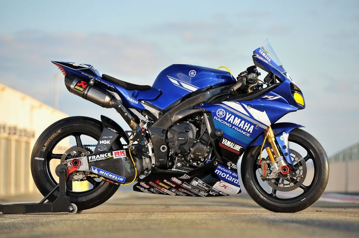 Yamaha YZF-R1 Team GMT94 2012