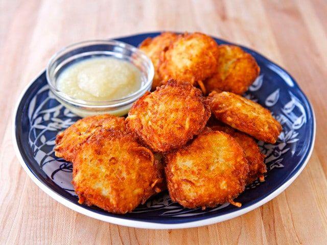How to Make Crispy Perfect Latkes - Learn recipes, tips and tricks for making tasty latkes every time that are crispy outside, fluffy inside. Includes tutorial video! | ToriAvey.com #latkes #Hanukkah #ChagSameach #HanukkahRecipes #HanukkahCooking #Chanukah #kosher #JewishHolidays #FriedFoods #potatoes #HanukkahFood #Chrismukkah #koshercooking #homemade #holiday #holidays