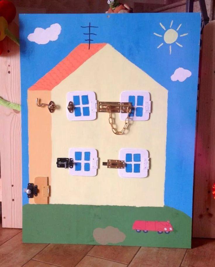 Pannello chiusure Montessori tema Peppa Pig