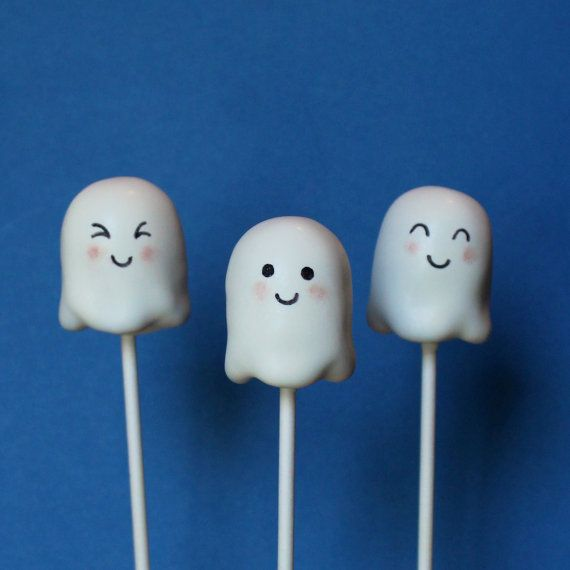 Cute Ghost Cake Pops for Halloween