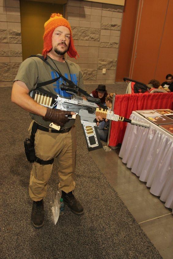 Jayne Cobb (Firefly) @ Phoenix ComiCon 2013 - great cosplay!
