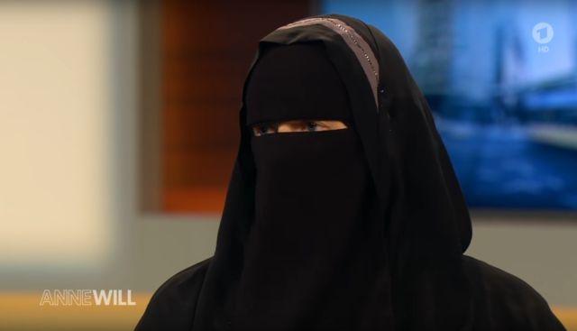 """Der Schweizer Nachrichtendienst warnte die ARD im Vorfeld: Die ARD-Show """"Anne Will"""" war über den radikalen Hintergrund des Hauptgastes der letzten Show, der Muslima Nora Illi informiert, haben sie aber trotzdem sprechen lassen."""