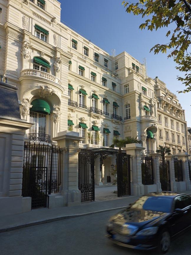 Frontage - Shangri-La Hotel, Paris