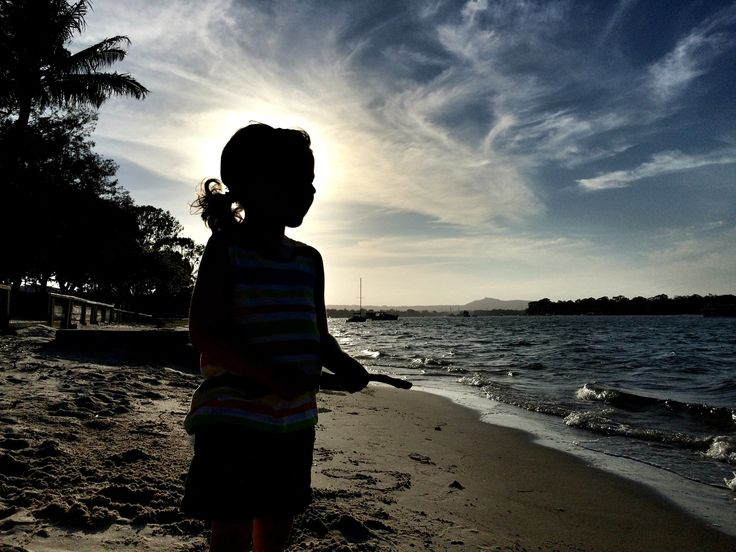 4/52 :: Silhouette by the Noosa River