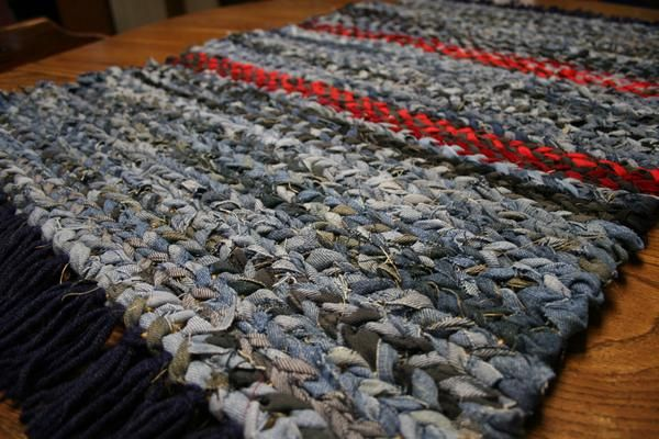 Country Style 2 X 3 Area Rug Is A Thickly Twined Fringed Rag Rug That Combines Country Beauty With Usabil Blue Jean Rug Rag Rug Hand Woven Rag Rug