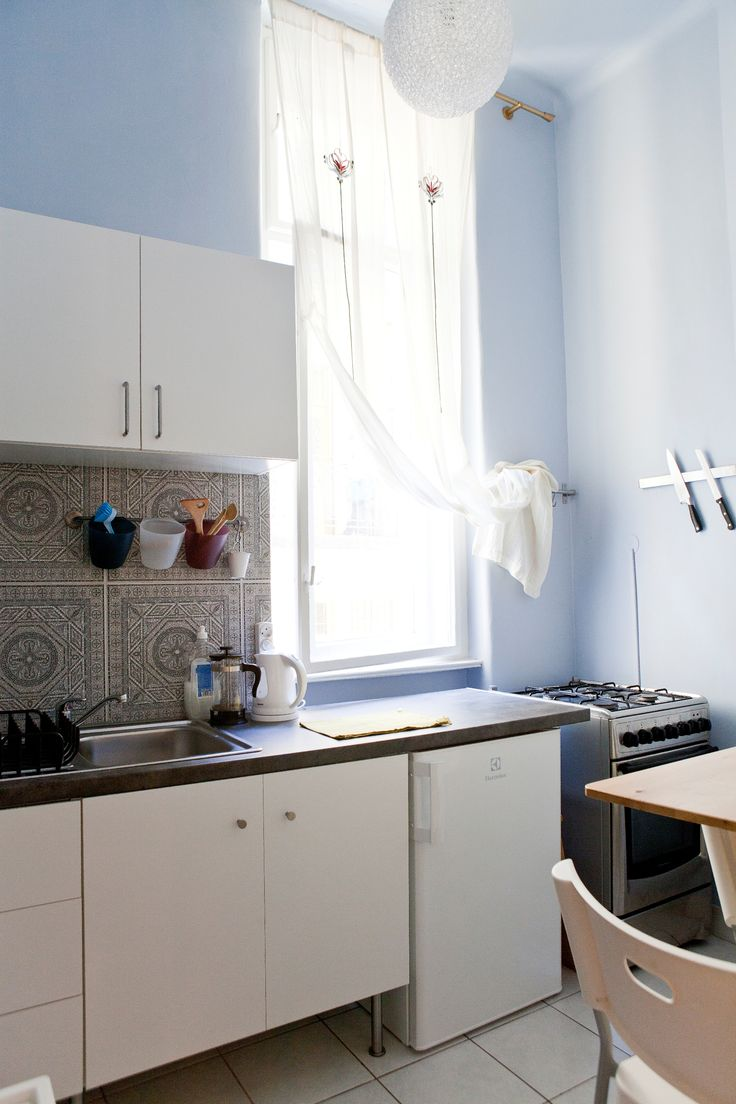 Kitchen of Aventura Apartment Rouge - studio apartment near the main hostel. Ideal for couples for a romantic hideout.