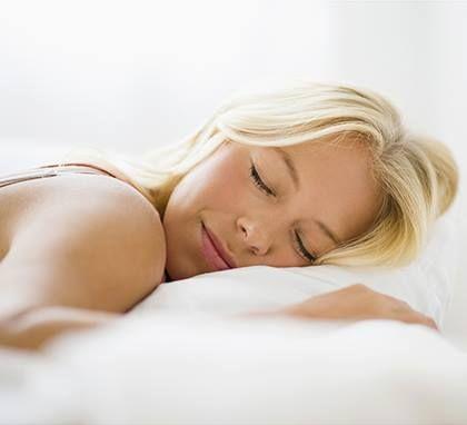 Συμβουλή Ομορφιάς!!  Οι κρέμες με ρετινοειδή είναι τέλειες για νυχτερινή χρήση! Όχι μόνο απαλύνουν τις ρυτίδες, αλλά εξαφανίζουν όλες τις γραμμές γήρανσης το βράδυ! Γιούπι!!  Εδώ θα βρείτε περισσότερα προϊόντα περιποίησης δέρματος:  http://gr.strawberrynet.com/skincare/  #strawberrynet #freshbeauty #skincaretip #tipoftheday