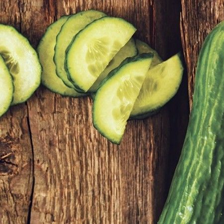 Succo di cetriolo, spinaci e miele