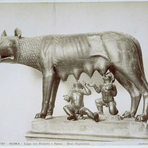 Sculptuur van Romulus en Remus en de wolf, Museo Capitolino te Rome, James Anderson, c. 1857 - c. 1875 - Rijksmuseum