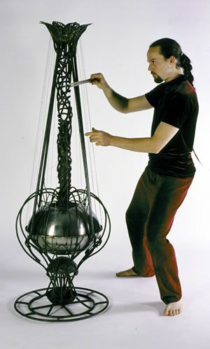 Stamenphone - bowed sound sculpture with resonating chamber, unusual odd unique experimental musical instrument