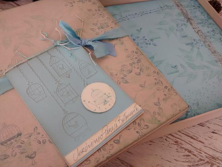 Empaques hechos a mano en Vintage y Scrap de caja decorativa para álbumes de Primera Comunión un producto creativo de Diseños Marta Correa..