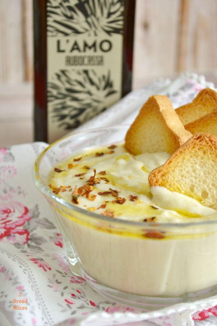 Taramasalata o salsa de bacalaho ahumado. Un plato tradicional de las cocinas turca y griega que nosotras adaptamos a nuestros sandwiches.