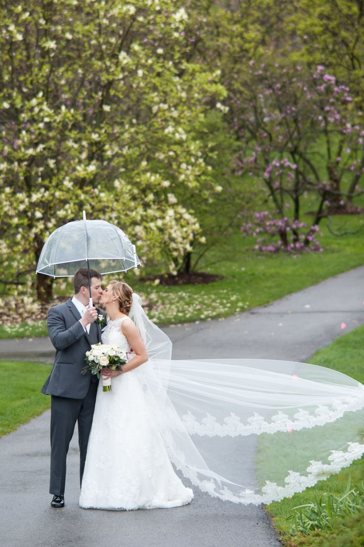 Katie & George {An Elegant Wedding at Country Club of Rochester} Wendy Zook  https://www.wendyzookphotography.com/wendy-zook-photography/2017/5/23/katie-george-an-elegant-wedding-at-country-club-of-rochester