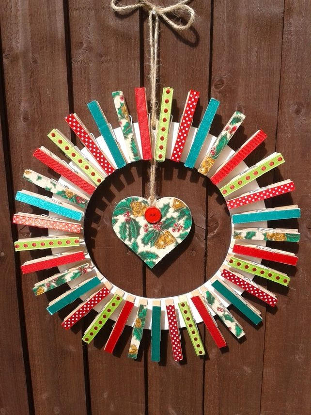 Christmas Card Peg Wreath £14.99
