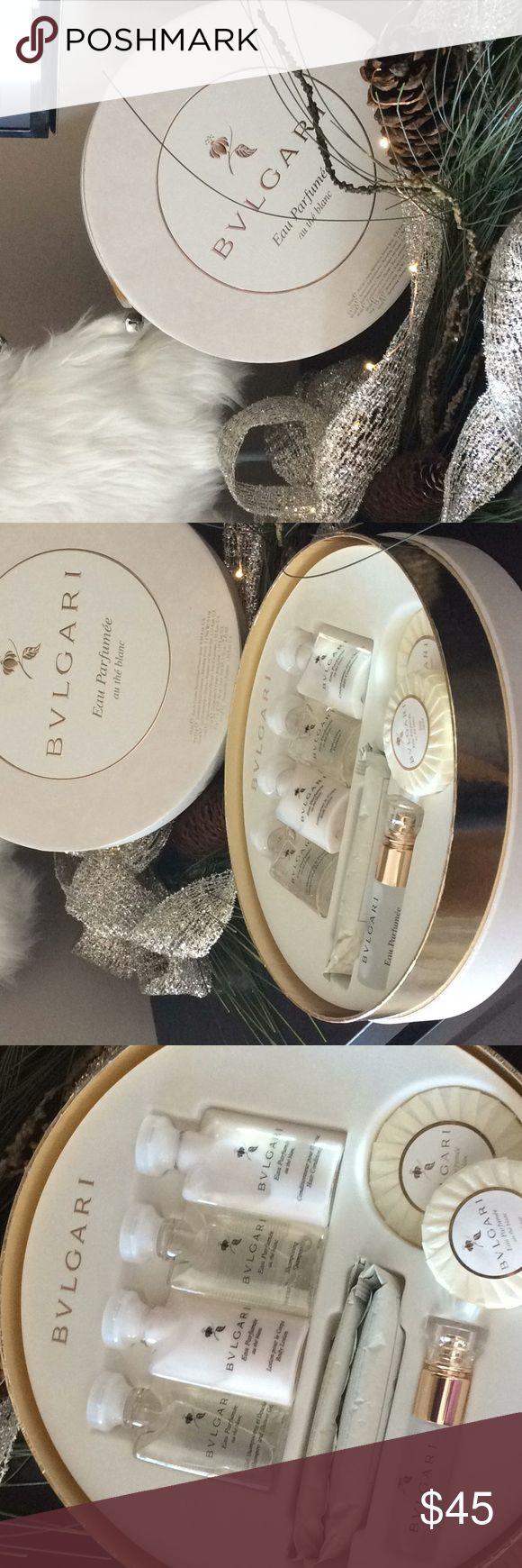 Bulgari perfume set (au de blanc) Shower gel, 2 soaps, body lotion, shampoo, conditioner, spray perfume .34 oz , 2 refreshing towelettes Bulgari Other