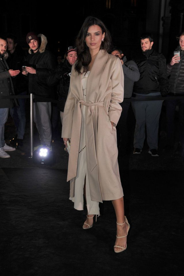 Emily Ratajkowski se marca un Kim Kardashian en una fiesta llena de futbolistas ¿cool?