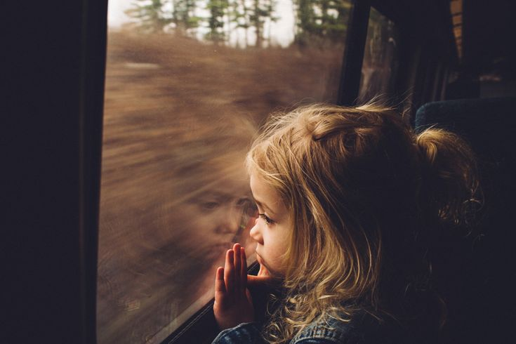 500px ISO » Beautiful Photography, Incredible Stories » 21 Poignant Portraits Captured in Train Windows