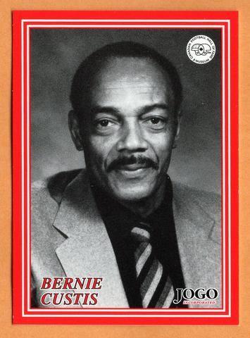 Bernie Custis CFL card 2000 Jogo HOF series E #15E Sheridan College Bruins  McMaster Marauders  Hall of Fame