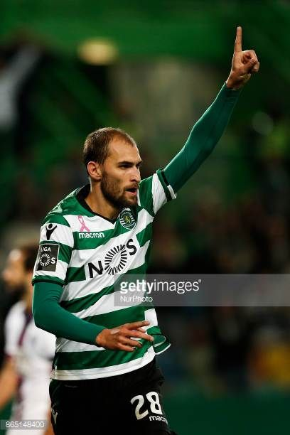 Sporting's forward Bas Dost celebrates his third goal during Primeira Liga 2017/18 match between Sporting CP vs GD Chaves in Lisbon on October 22 2017
