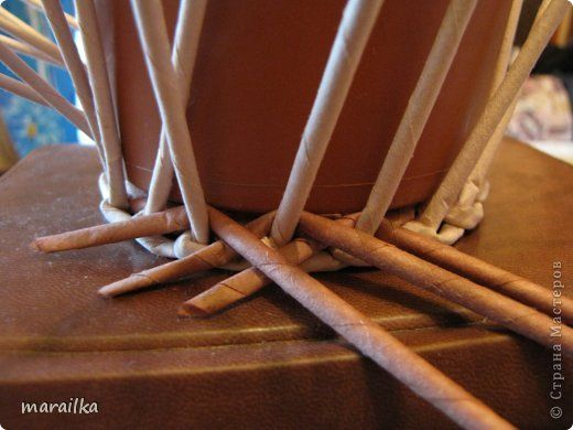 hármasfonás Мастер-класс Поделка изделие Квиллинг Плетение Прячем хвосты МК для начинающих Бумага газетная Трубочки бумажные фото 8
