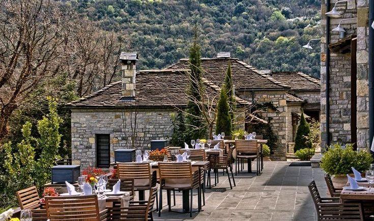 Η πυξίδα δείχνει βουνό και ο καιρός επιτάσσει σούπες που ξορκίζουν το κρύο, ντόπια κρεατικά και γλυκόπιοτο κρασί. Προορισμός μας τα 17 από τα καλύτερα ορεινά εστιατόρια και ταβέρνες της χώρας.
