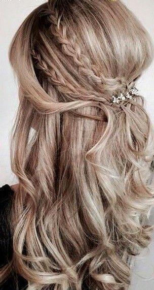 Balayage half up half down curly hair with braids #gorgeoushair #weddinghairdown