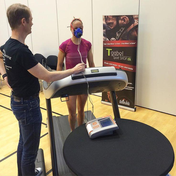 sannetroelsgaard| T E S T D A G |  #tgabelsportshop #trainingmask #løbetest #VO2MAX #fokus #nyemål #forberedelse #yourbody #bum @tgabel_sport_shop @lottetroelsgaard