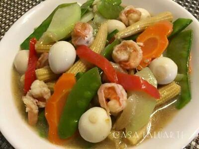 QUAIL EGGS and SHRIMP CHOP SUEY RECIPE. Mixed vegetables stir fry with Quail Eggs and Shrimp.