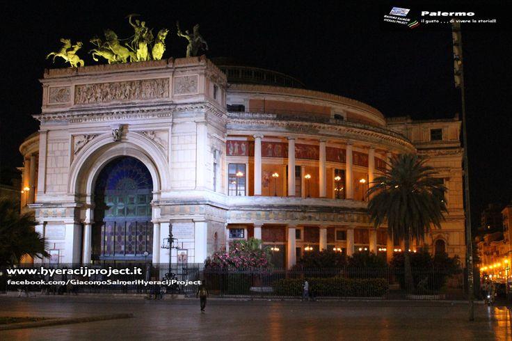 #Palermo. Questa sera la Buona notte arriva da Piazza Politeama in Palermo, ancora auguri della Repubblica!!! www.hyeracijproject.it #ilgustodiviverelastoria, #ilborgocapitaledellaconteadeiVentimiglia!!!  © #2014HyeracijProject