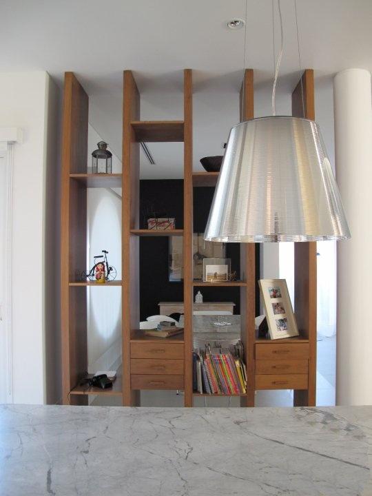 M s de 1000 ideas sobre divisores para estante en for Muebles de comedor diario