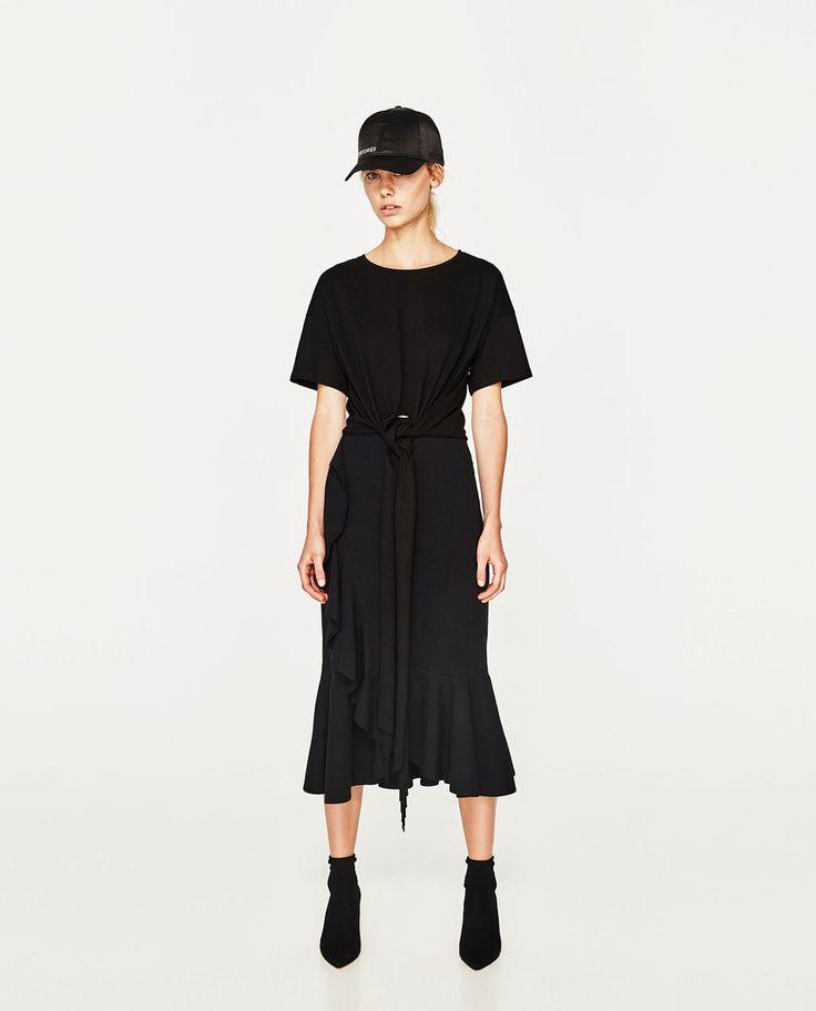 Imagine 1 din TRICOU CU NOD FRONTAL de pe Zara